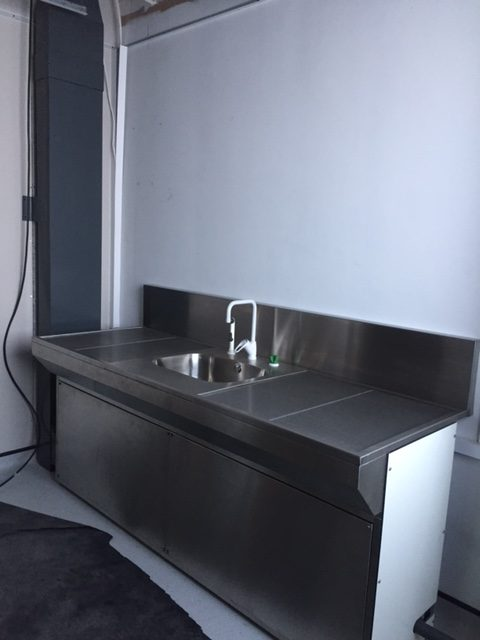 Stainless Steel Downdraft Bench – Nottingham (C4935)